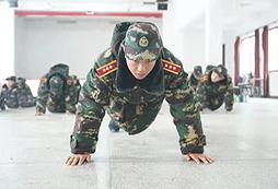 参加2020福州小学生军事夏令营走进军营!