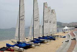 参加2020青岛帆船夏令营让你嗨帆一夏!