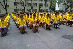 参加7岁男童领袖成长夏令营培养领导力!